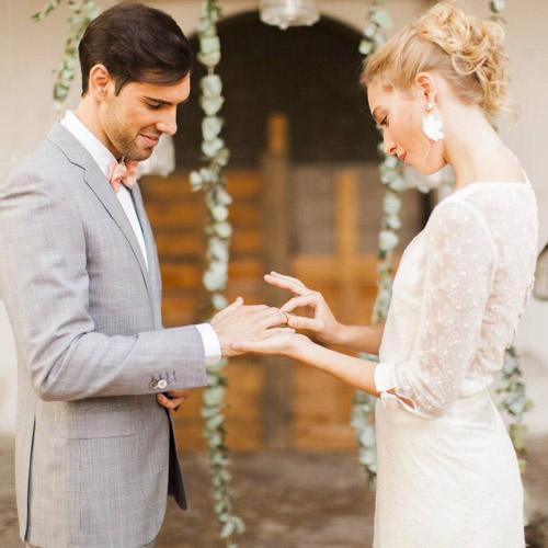 Veux-tu m'épouser? Passage de la bague au doigt