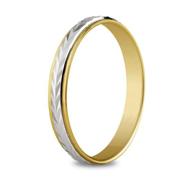 Bague de mariage en or jaune ciselée au centre